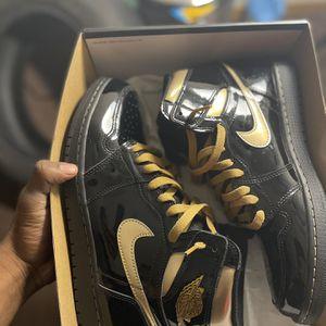 OG Retro 1 Jordan Black And Gold Sz10.5 for Sale in Oklahoma City, OK