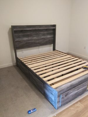 Ashleys bed set for Sale in Long Beach, CA
