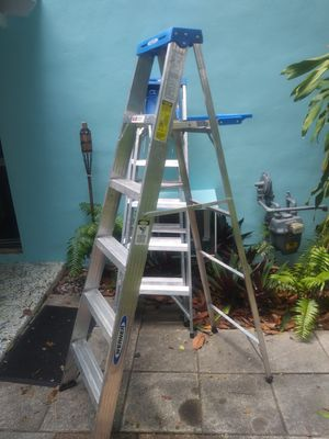 Werner 6 foot aluminum step ladder like new for Sale in Miami, FL