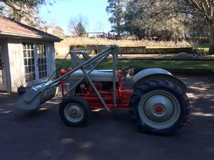 Fully restored 8N ford tractor. Runs and drives great. Tons of extra parts! for Sale in Oregon City, OR