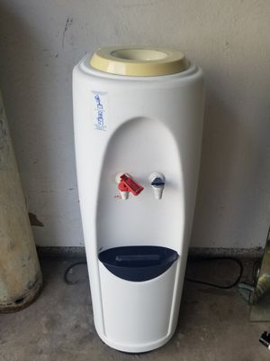 Full size water cooler/heater. for Sale in Los Angeles, CA
