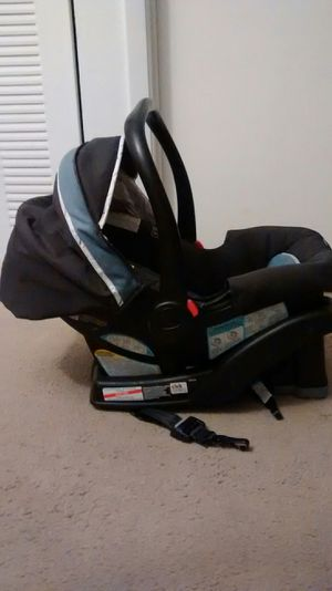 Graco Click Connect Car Seat for Sale in Miami Gardens, FL