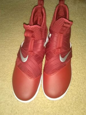 Nike Lebron Soldier Xll for Sale in Havana, AL