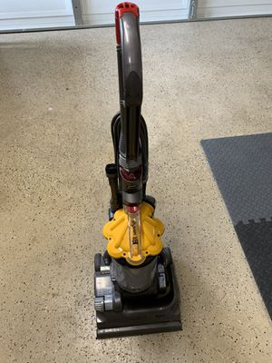 Dyson dc33 vacuum for Sale in Claremont, CA