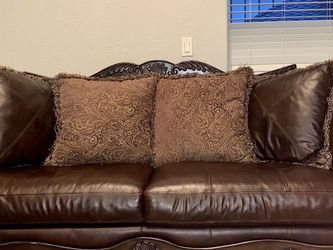 Leather Couch And Loveseat (Duvet Sofa) OBO for Sale in Clackamas,  OR