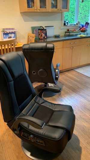 Xrocker gaming chair with speakers (Bluetooth) for Sale in Kirkland, WA