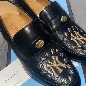 Gucci New York Yankee Loafer for Sale in Chicago, IL