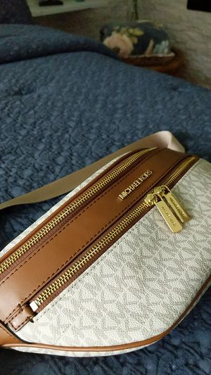 Michael Kors MD Waist Pack X Body for Sale in Wexford, PA