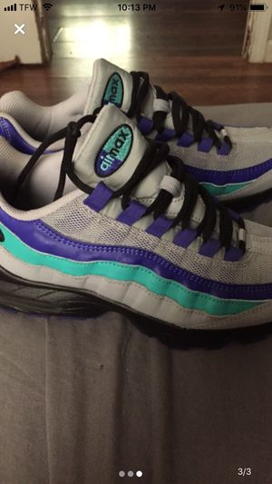 Nike air max's BRAND NEW Size 7y for Sale in Peoria, IL