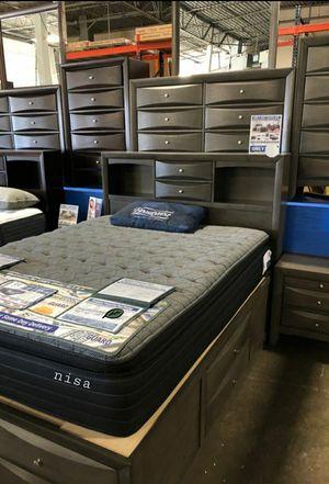 SPECIAL] Emily Gray Storage Platform Bedroom Set byCrown Mark for Sale in Jessup, MD
