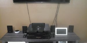 Sony surround sound 5 speaker subwoofer it also plays USB and more for Sale in Baton Rouge, LA