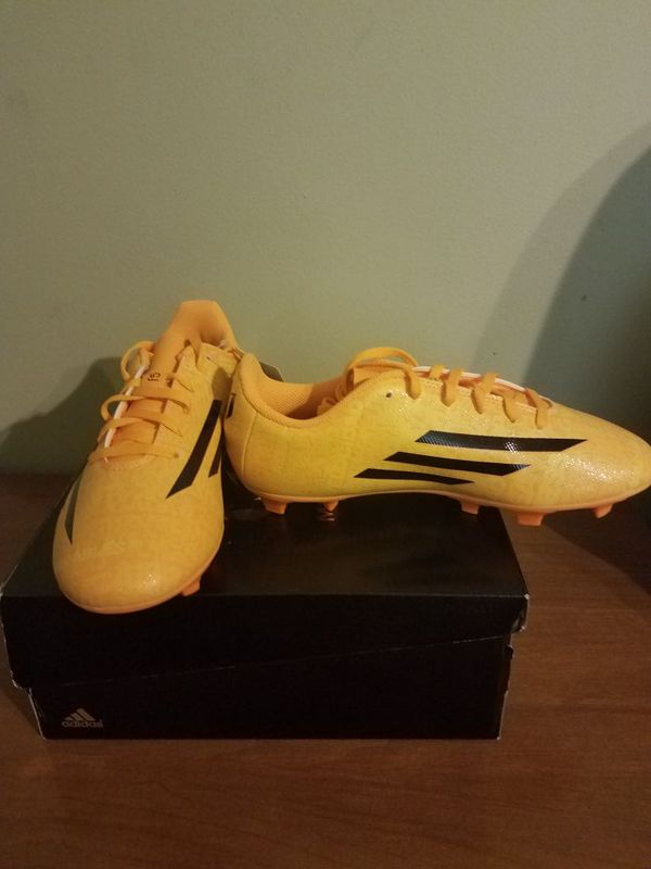 Messi Soccer Cleats Size 6