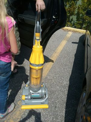 Dyson vacuum cleaner for Sale in Melbourne, FL