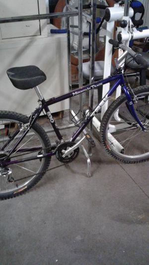 Trek mountain track bike for Sale in Strongsville, OH