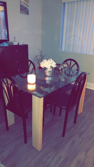 Dining table for Sale in Arlington, VA