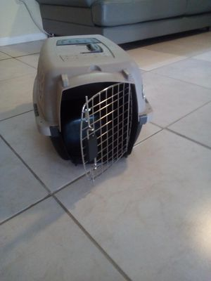 New carry crate for Sale in Hollywood, FL