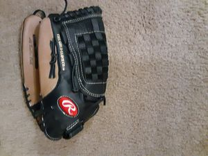 Rawlings left handed baseball glove for Sale in Denver, CO