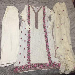 Pakistani Indian Shalwar Kameez Dress Outfit embroidered for Sale in Spencerville, MD