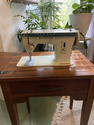 Vintage Antiqued Wood 20th Century Singer (Britain) Sewing Machine + MCM Cabinet / for Sale in Columbus, OH