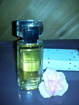 Perfume de mujer carolina herrera for Sale in Anaheim, CA