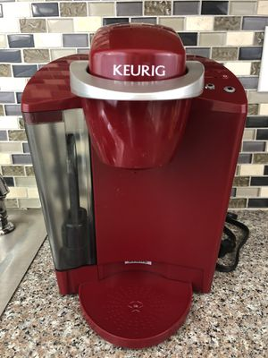 Keurig Single Serve Cup Brewing System Coffee Maker Model K40 Red for Sale in Bridgeton, MO