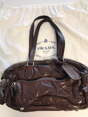 Prada leather handbag for Sale in Buford, GA