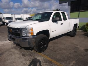 2012 chevy Silverado 2500 hd 4×4 ac cool automatico runs perfectly clean title for Sale in Miami, FL