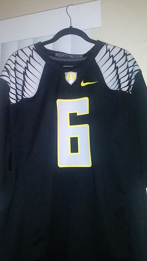 Oregans ducks jersey by nike for Sale in Montclair, CA