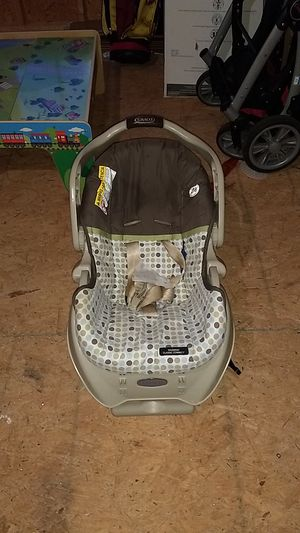 Baby car seat and carrier combo for Sale in Wilson, NC
