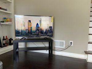 Hisense tv plus google chromecast for Sale in Marietta, GA
