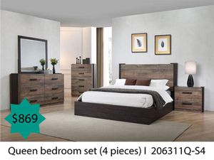 Queen bedroom set 4 pieces for Sale in Costa Mesa, CA