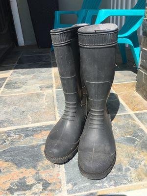 (RUBBER RAIN BOOTS) for Sale in Chula Vista, CA