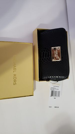 Women wristlet new with tags for Sale in Brooklyn, NY