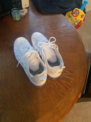 Nike vapemaxs plus size 11.5 for Sale in Bloomington, IL