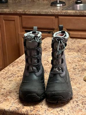 Kid size 3, winter snow boots for Sale in Yorkville, IL