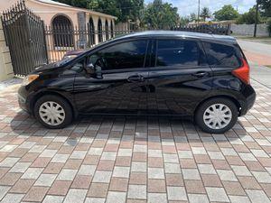 2015 Nissan Versa Note SV hatchback for Sale in Miami, FL