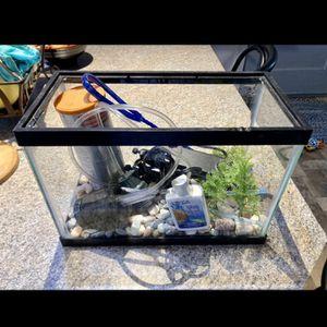 2.5 Gallon Betta Fish Tank Full Setup for Sale in Tacoma, WA