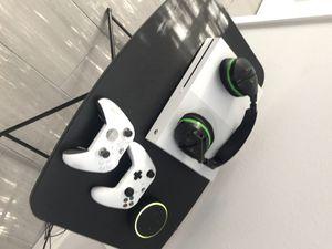 Xbox One S + Elite Controller + Turtle Beach 420x Headset for Sale in Orlando, FL