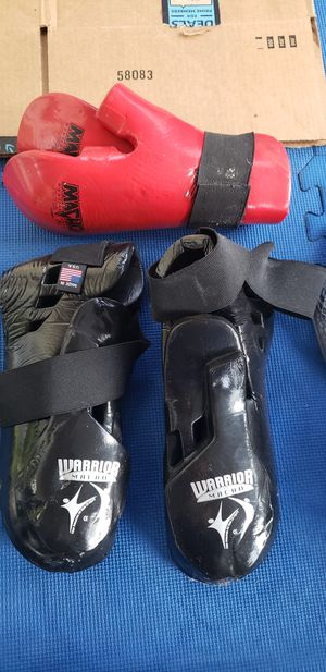 MMA hand/foot protectors for Sale in Plantation, FL