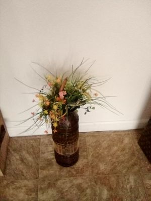 Vase with flowers for Sale in Visalia, CA