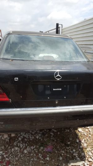 1998 Mercedes Benz C Class for parts for Sale in Houston, TX