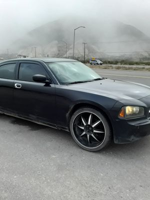 2007 dodge charger 6cyl 115000 mil. for Sale in Phelan, CA