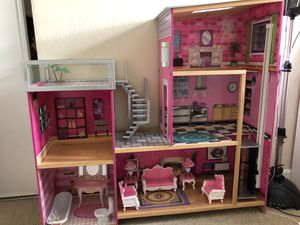 Like new Barbie doll house with accessories for Sale in Concord, CA