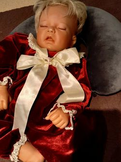 Sleeping Real Looking Doll for Sale in Westbury,  NY
