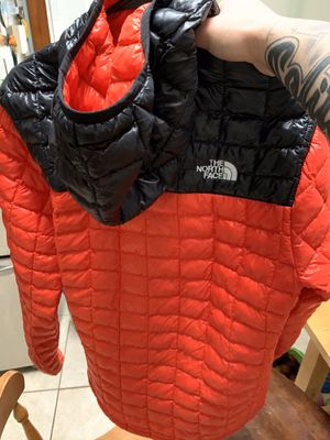 North face bubble jacket for Sale in Laurel, MD