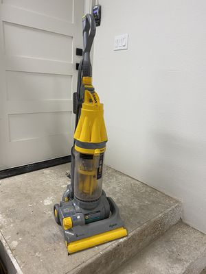 Dyson Vacuum for Sale in Black Diamond, WA