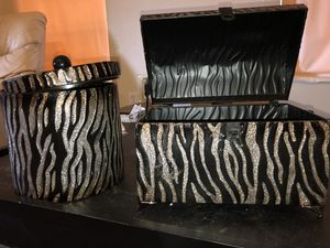 Animal print tin decor for Sale in Jacksonville, FL