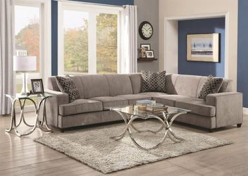 New grey pullout sleeper sectional for Sale in Union City,  GA