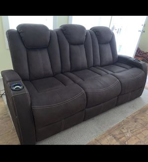 Crestline Chocolate Dual Power recliner sofa for Sale in Dallas, TX