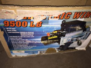9500 pounds towing winch brand-new in the box for Sale in Dearborn, MI